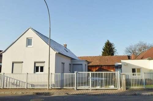 Wohnhaus mit Nebengebäude in zentraler Lage in 2625 Schwarzau am Steinfeld