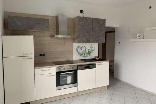 Liebenau, NEUE Küche! Parterrewohnung mit großer Terrasse ab Sofort