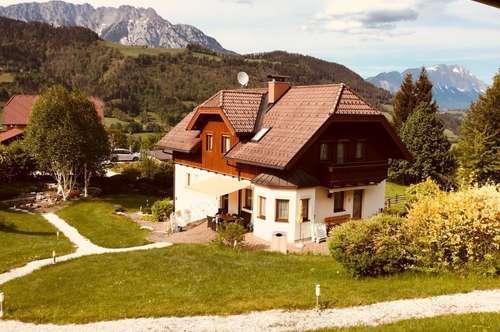 Gediegenes Landhaus in toller Aussichtslage!