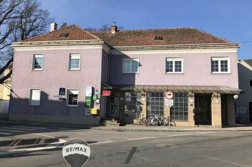 """Traditionelles Haus mitten am Hauptplatz"""