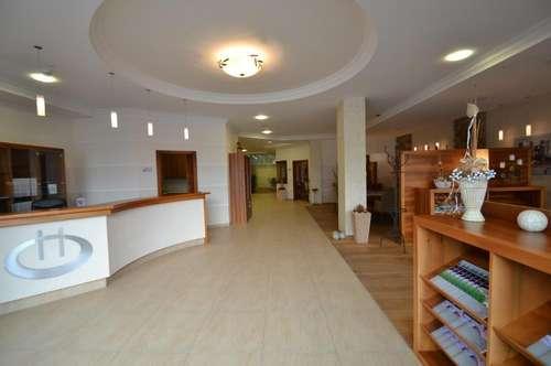 OFFICE-CENTER SCHLEPPE-PLATZ in Klagenfurt - Ausstellungs-, Verkaufs-, Präsentationsbüro oder Ordination - Parkplätze vor dem Gebäude