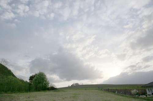 Sonniger Baugrund mit Panoramablick
