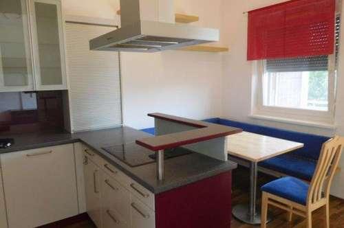 WG33/19 * Große Wohnung mit Garage