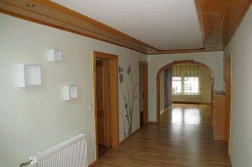 WH32/19 * Anlageobjekt - Wohnhaus mit Halle