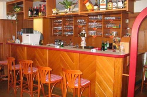 GO04/13 * Cafehaus nähe St. Martins Therme