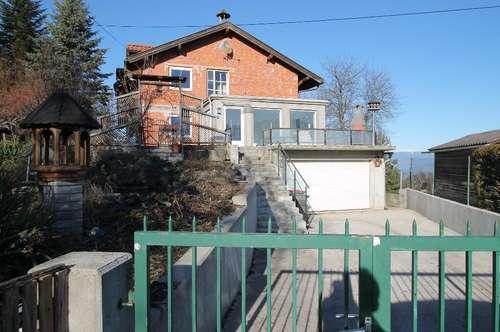 Großes Mehrfamilienhaus mit ausbaufähigem Dachboden