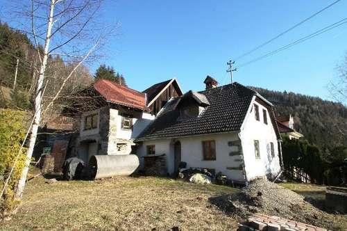 Kleines Haus ober Hüttenberg mit viel Sonne