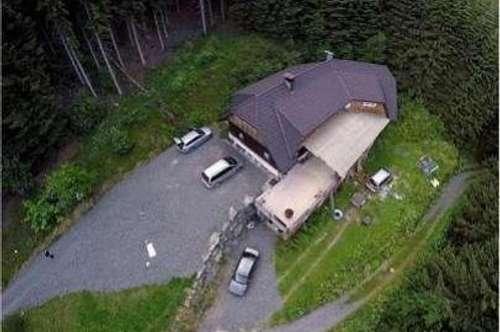 Großes Haus ( Ferienhaus) in absoluter sonnigen Alleinlage mit großem Grunstück