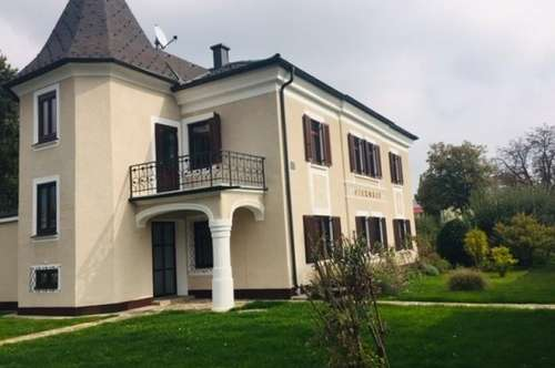 Luxuswohnung in Herrschaftsvilla!