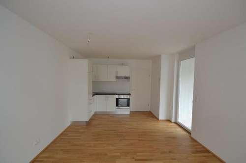 ERSTBEZUGSCHARAKTER - Zentrum - 65 m² - 3 Zimmer - ideale Familienwohnung - 18 m² Rundbalkon im 2.OG