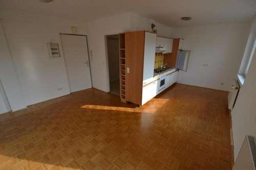 Strassgang - 29m² - 1 Zimmer - Küche möbliert - Top Zustand - wohnbeihilfenfähig