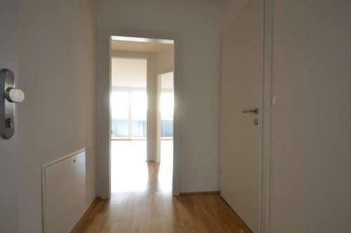 ERSTBEZUGSCHARAKTER - Liebenau - 47m² -  2 Zimmer Wohnung - großer 13m² Westbalkon