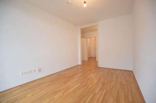 ERSTBEZUGSCHARAKTER - Liebenau - 47m² - 2 Zimmer Wohnung - tolle Aufteilung - 13m² Süd-Balkon