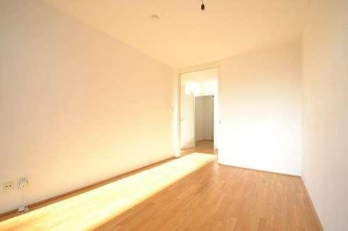 PROVISIONSFREI für den Mieter - ERSTBEZUGSCHARAKTER - Liebenau - 47m² - 2 Zimmer Wohnung - großer Südbalkon - letzter Stock