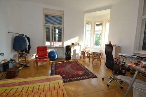 Nähe Zentrum - 78m² -  2 Zimmer - schöne Altbauwohnung - ruhige Lage - gute Infrastruktur