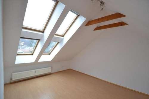 PROVISIONSFREI - 1. Monat mietfrei -  Eggenberg - 76m² - 3 Zimmer - WG-Fähig - Nähe FH - Balkon