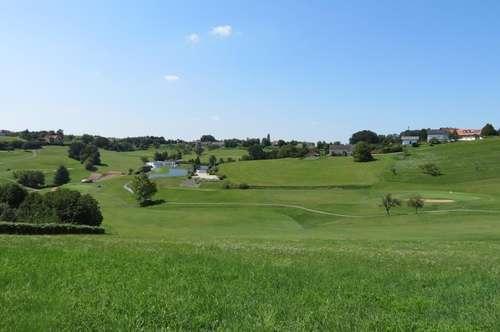 TOPLAGE mitten am Golfplatz