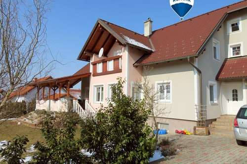 GROSSZÜGIGES Einfamilienhaus in RUHELAGE