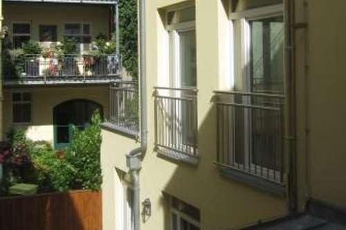Zweigeschossige Wohnung im Zentrum von Baden zu kaufen!