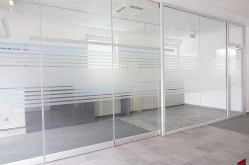 Optimales Lokal , bietet sich als Büro, Kosmetik, Tatoostudio, Einzelhandel an!