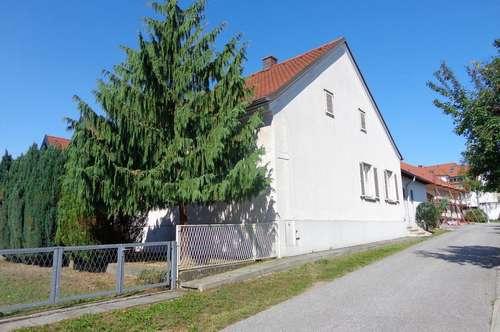 Nettes Wohnhaus mit blickgeschütztem Innenhof im Zentrum