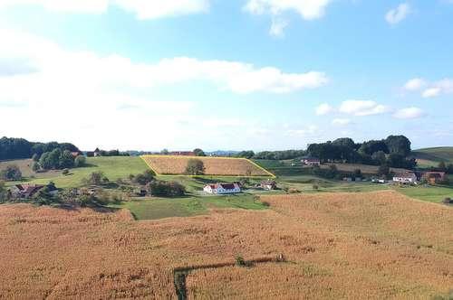 Nähe Thermenresort Loipersdorf: Wunderschönes Baugrundstück in Aussichtslage