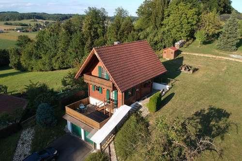 Gemütliches Holzblockhaus  mit Aussicht