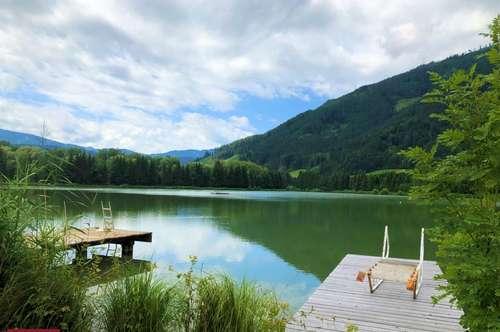 Rein ins kühle Nass! Ferienhaus direkt am See mit Badesteg sucht Eigentümer