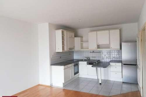 Gemütliche 2-Zimmer Wohnung (ca. 60 m²) mit Balkon und Tiefgaragenparkplatz
