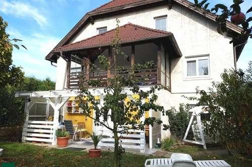 Ruhig gelegenes Einfamilienhaus mit Einliegerwohnung