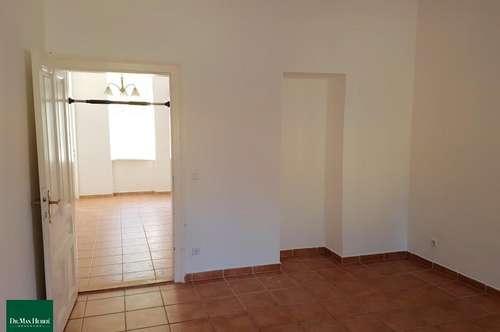Große 2,5 Zimmer-Altbaumiete