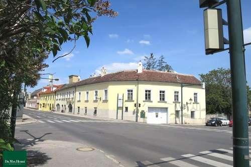 Historisches Wohn- und Geschäftshaus aus dem 13. Jahrhundert mit Zubau