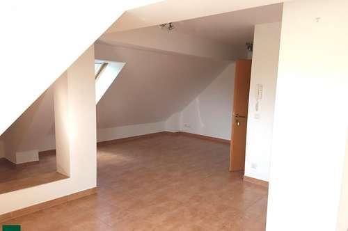 Nette 3-Zimmer Mietwohnung im Dachgeschoß