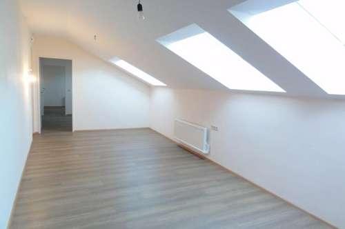 STADTWOHNUNG MIT DEM BESONDEREN FLAIR - MIETE: Dachgeschosswohnung im Stadtzentrum St. Johann/Pg. - Ski amadé