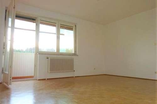 Perfekt aufgeteilte, helle 3-Zimmer-Wohnung mit großzügiger Loggia in Grünruhelage – nähe LKH