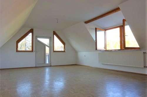 PROVISIONSFREI - Großzügige, ruhige 2-Zimmer-Dachgeschosswohnung in zentraler Lage in Gleisdorf