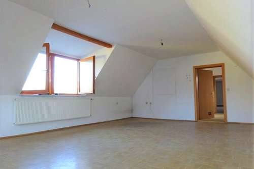 Großzügige, ruhige 2-Zimmer-Dachgeschosswohnung in zentraler Lage in Gleisdorf