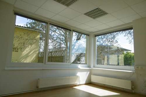 Gepflegte Büroräumlichkeiten in guter Lage nahe dem Autobahnzubringer und Gleisdorf Stadt