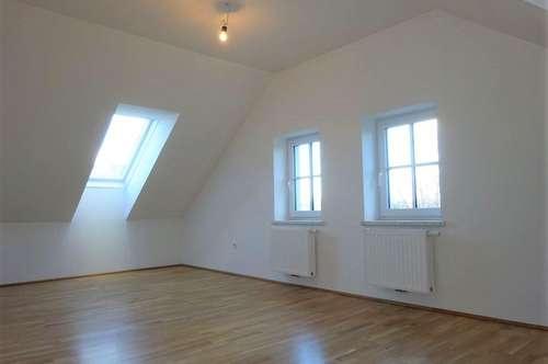 Charmante 3-Zimmer-Wohnung im hochwertig sanierten Altbaujuwel