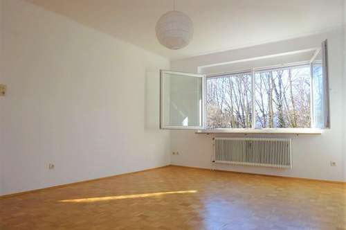 Sehr helle und ruhige 3-Zimmer-Wohnung - inklusive Küche mit Sitzgelegenheit und 2 Balkonen