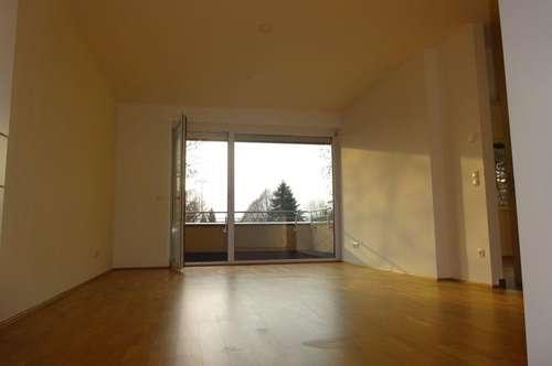Sehr schöne und helle Wohnung am Grazer Stadtrand mit großem Balkon und Terrasse