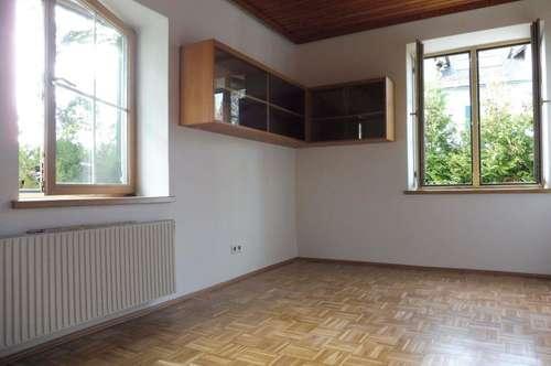 Provisionsfrei - Sanierte, zentrale 3-Zimmer-Altbauwohnung in Weiz