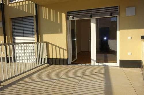 1. Monat mietfrei! Erstbezug – Wunderschöne, helle 2-Zimmer-Wohnung mit 15 m² großer Terrasse und KFZ-Abstellplatz