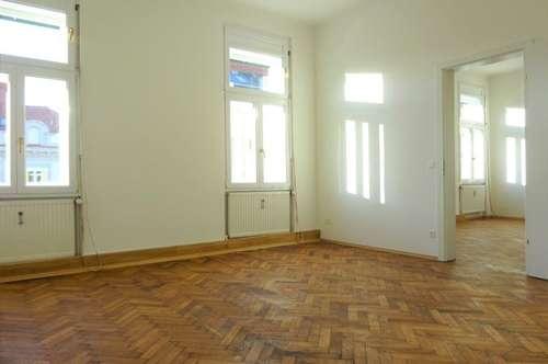 Erstbezug nach Sanierung – Schöne, helle 2-Zimmer-Wohnung mit Balkon in zentraler Lage