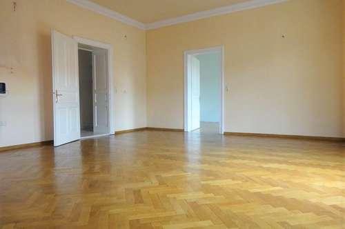 PROVISIONSFREI - Wunderschöne, sehr zentral gelegene 2-Zimmer-Altbauwohnung mit Balkon