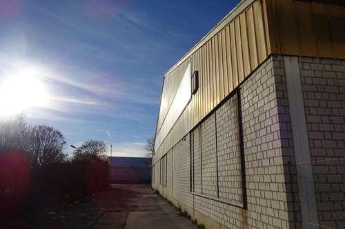 Lagerhalle in einem Grazer Büro- & Logistikcenter in Bestlage - 1000 m² groß - 1. Monat mietfrei