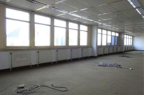 Sehr helles, großes Büro im Grazer Bezirk Puntigam sehr zentral gelegen