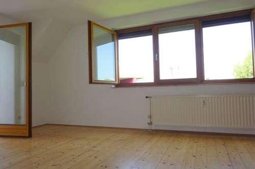 Wunderschöne, helle 2-Zimmer-Wohnung mit Terrasse und KFZ-Abstellplatz