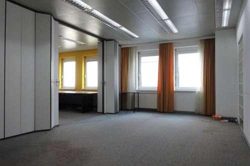 Hochwertige Gewerbefläche mit 88 m² großer Dachterrasse und KFZ-Abstellplätzen in zentraler Lage