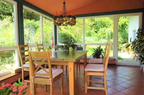 Exklusiver Landsitz in Alleinlage - Einfamilienhaus mit rund 4,2 ha Grund in absoluter Grünruhelage